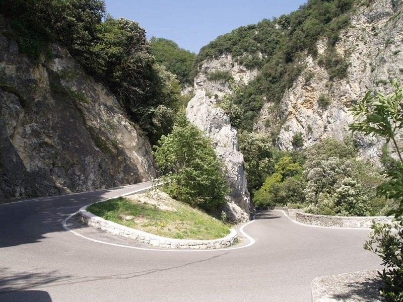Mototurismo domenica 11 gita verso la spettacolare for Lago spa padova